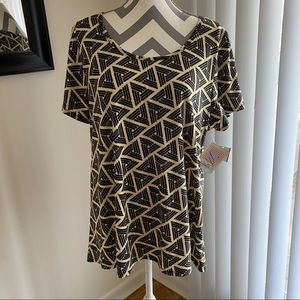LulaRoe Triangle Print Short Sleeve Tee